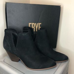 FRYE Reina Cut Out Booties